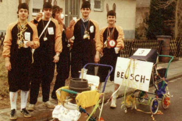 1984-debeuschhase14FC3BF69-0F85-D0F3-42D1-0BF767BBD6E8.jpg