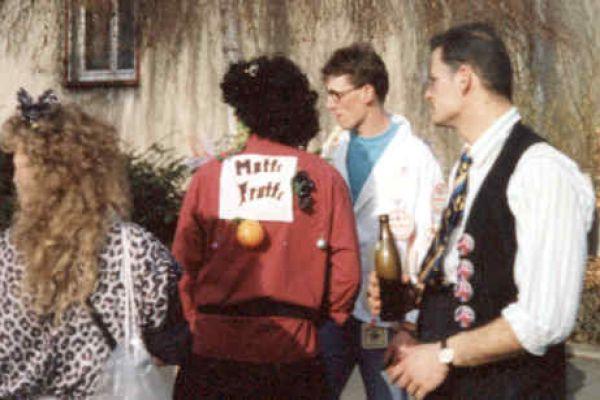 1992radio-tele2B69787F0-04D3-48CA-E914-6480F0791F01.jpg