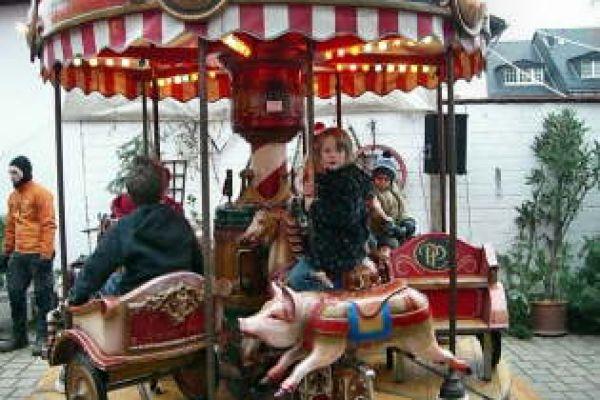 2008-weihnachtsmarkt-0226AD9916-5B44-CCF1-C5D7-F90416C262B0.jpg