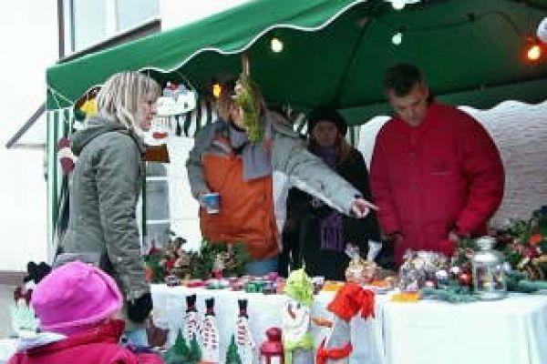 2008-weihnachtsmarkt-03FF8CC170-8619-20E2-4721-E5CE5A3F3785.jpg