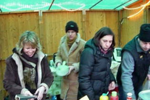2008-weihnachtsmarkt-074010425B-0198-733E-BEB4-EBB750A489CC.jpg