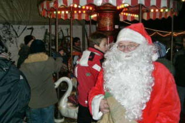 2008-weihnachtsmarkt-113525B79D-7AE2-CAE6-40F7-2C6446313182.jpg